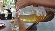 3 người tử vong nghi do ngộ độc rượu ngâm hạt cây rừng