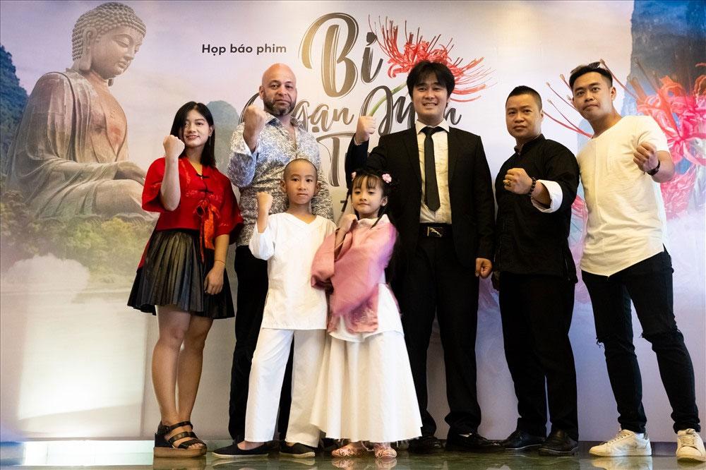 võ sư Flores, làm diễn viên, tham gia đóng phim, Việt Nam, võ sư Flores đến chùa Bổ Đà