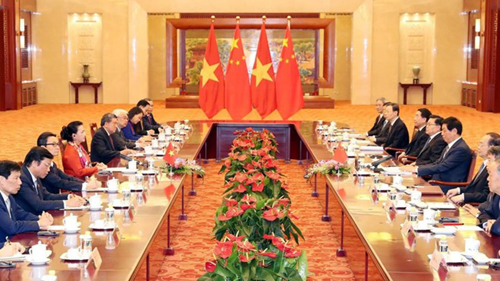 Vietnamese NA leader, wraps up, official visit, China, Friendship Bridge, Vietnamese Culture Days,  high-level exchange, political trust