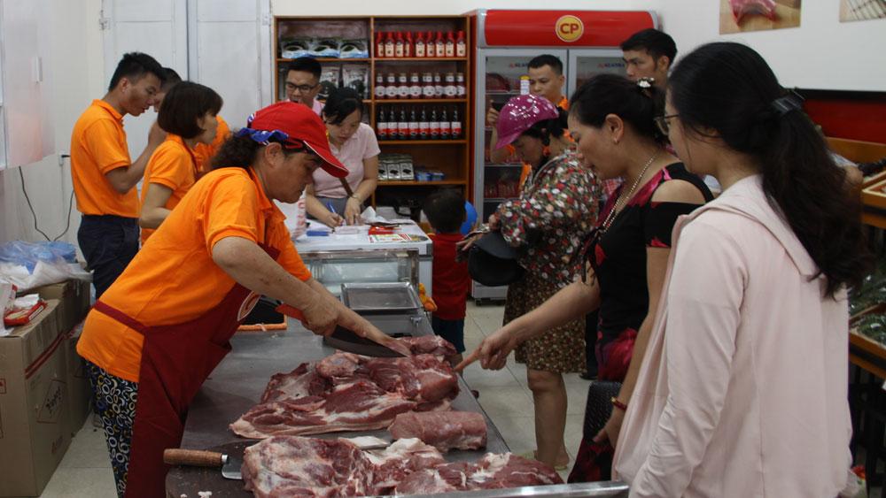 Khai trương Cửa hàng thực phẩm an toàn Sơn Hằng