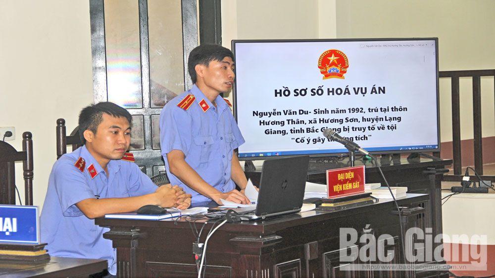 Kiểm sát viên Viện KSND huyện Lạng Giang tham gia phiên tòa có hồ sơ vụ án được