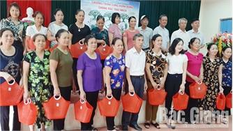Phụ nữ phường Xương Giang cùng hành động chống rác thải nhựa