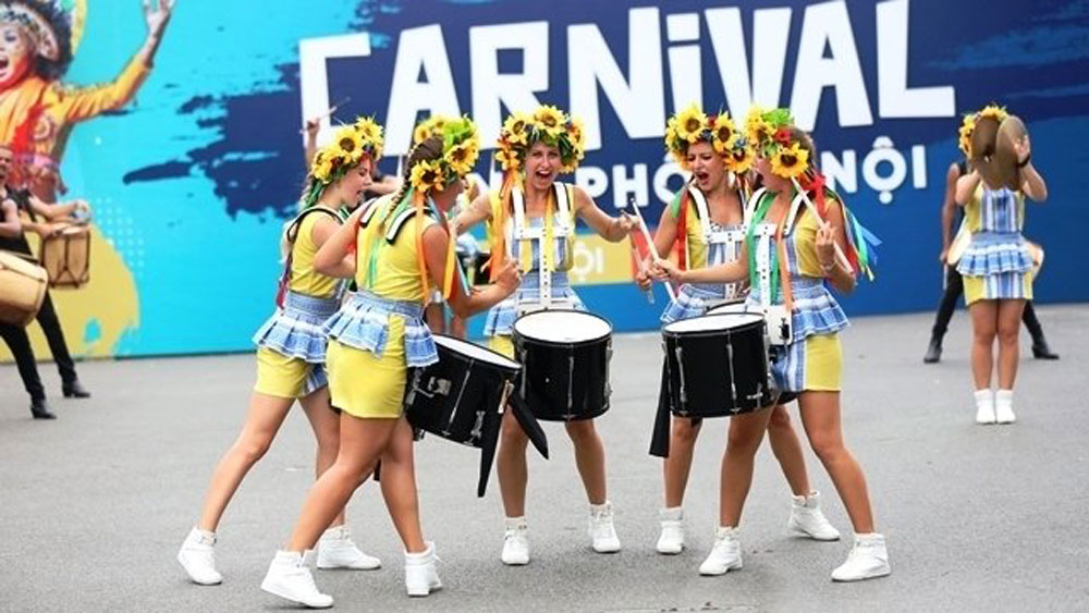 Hanoi street carnival marks 20th anniversary of 'City for Peace' title
