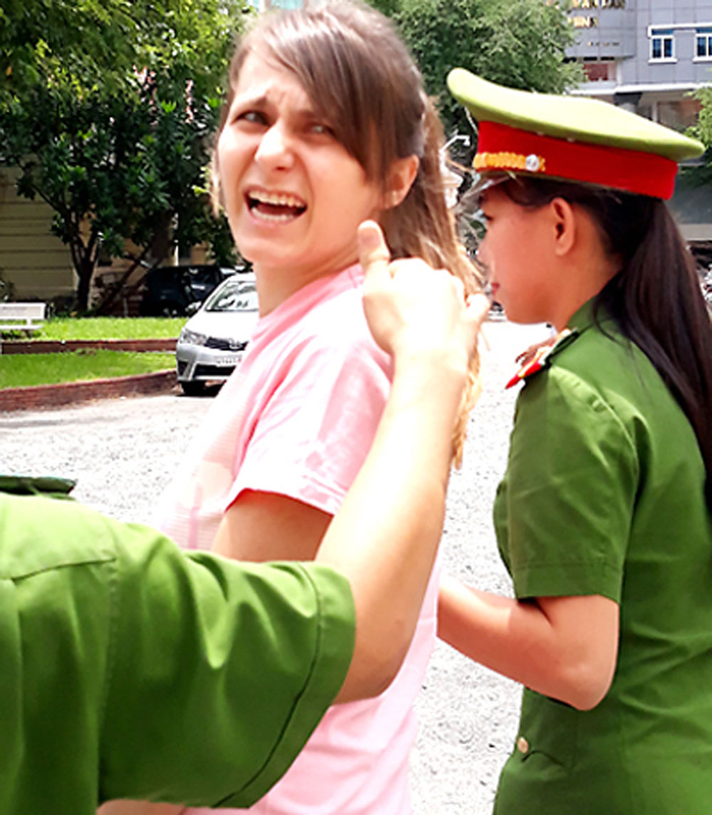 Cô gái Nga, cầm đầu đường dây bán dâm ở Tp Hồ Chí Minh, lĩnh 3 năm tù