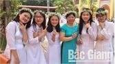 Ngô Minh Ngọc, Trường THPT Ngô Sĩ Liên giành 9,8 điểm môn Tiếng Anh