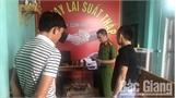 Bắt khẩn cấp nhóm 9X ở Bắc Giang ném chất bẩn vào nhà dân ép trả nợ
