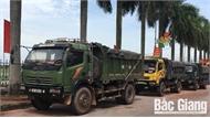 Công an Lạng Giang bắt giữ 8 xe chở đất quá tải trọng đi trên đường thôn