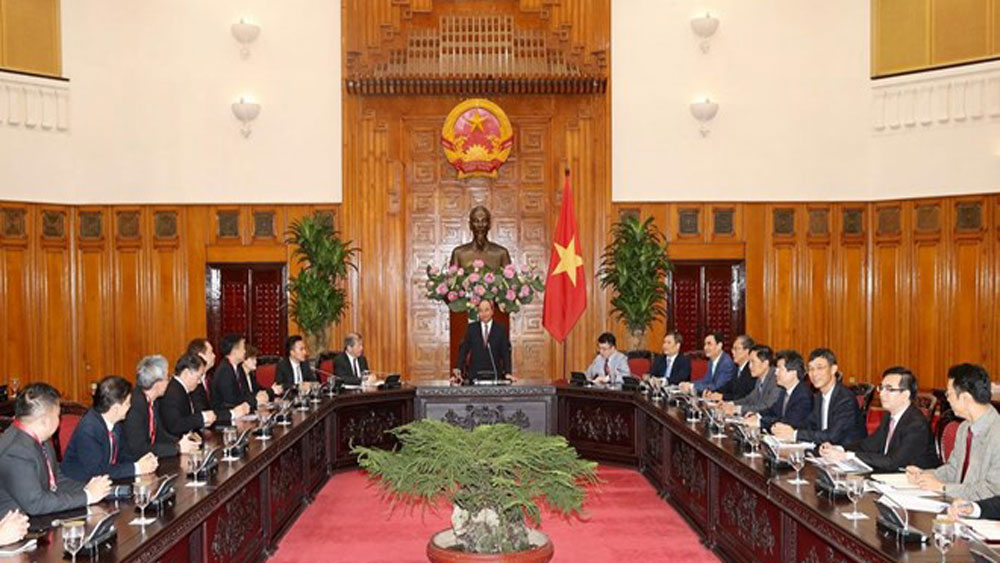 Vietnam, Singaporean investments, Vietnamese Government, long-term business, global economy's turbulences