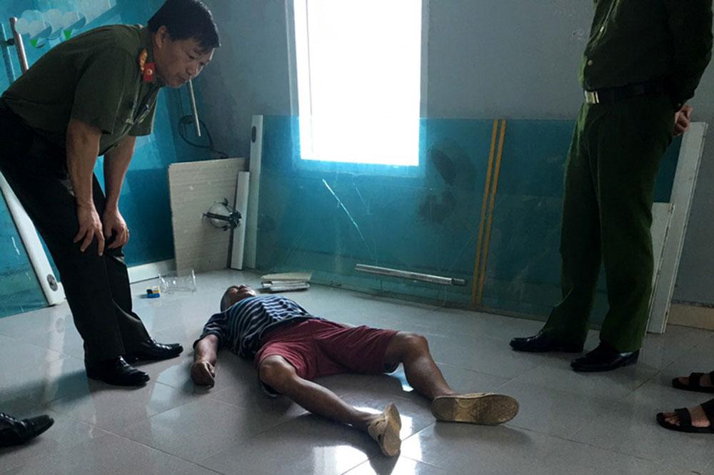 Bàng hoàng, phát hiện xác người nhà bệnh nhân, bệnh viện, Lù Văn Nghĩa