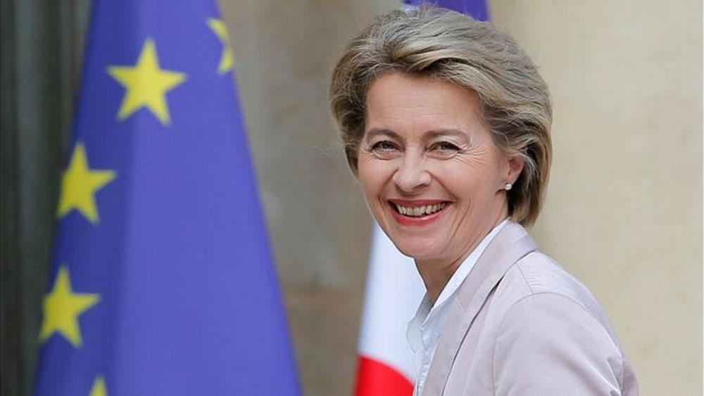 EC, nữ chủ tịch đầu tiên, Bộ trưởng Quốc phòng Đức Ursula von der Leyen, Ủy ban châu Âu