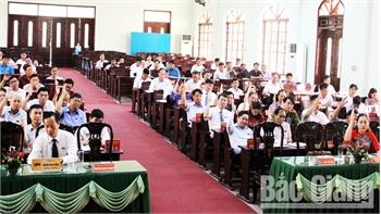 Kỳ họp thứ 11 HĐND huyện Sơn Động thông qua 5 nghị quyết