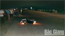 Bắc Giang: Lái xe ô tô gây tai nạn chết người rồi bỏ trốn