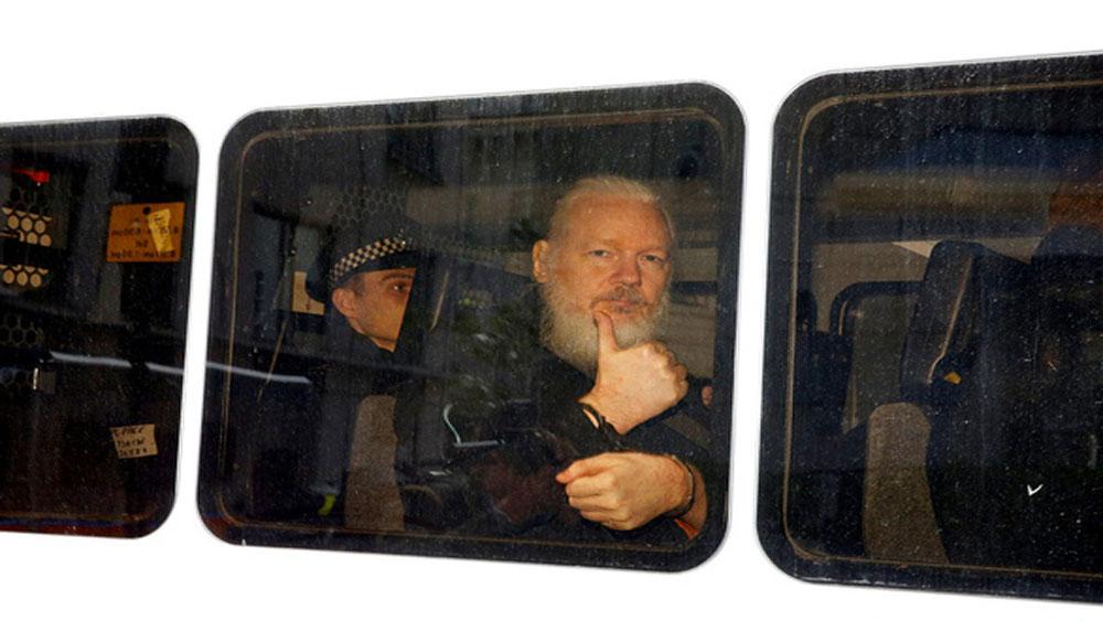 Cựu Tổng thống Ecuador, xác nhận, nhà sáng lập WikiLeaks, can thiệp vào cuộc bầu cử Mỹ,  Julian Assange