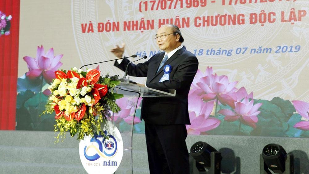 Thủ tướng Nguyễn Xuân Phúc, Bệnh viện K, lấy sự hài lòng của người bệnh, mục tiêu phấn đấu, Lễ kỷ niệm 50 năm thành lập Bệnh viện K