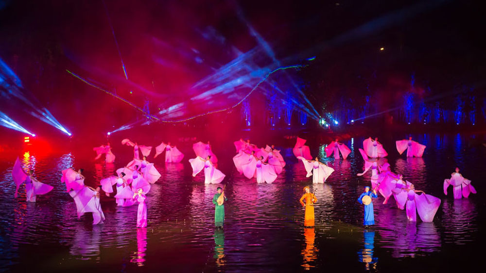 """""""Tinh Hoa Bac Bo"""" show named top outdoor cultural spectacle in 2019"""