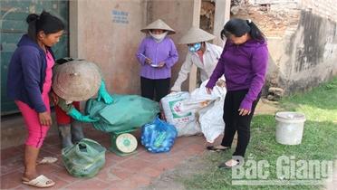 Phụ nữ Lạng Giang thực hành tiết kiệm, giúp nhau  vượt khó