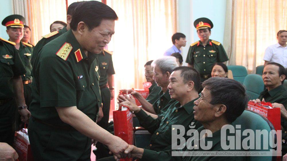 Bộ trưởng Bộ Quốc phòng, Đại tướng Ngô Xuân Lịch, thương binh, bệnh binh.