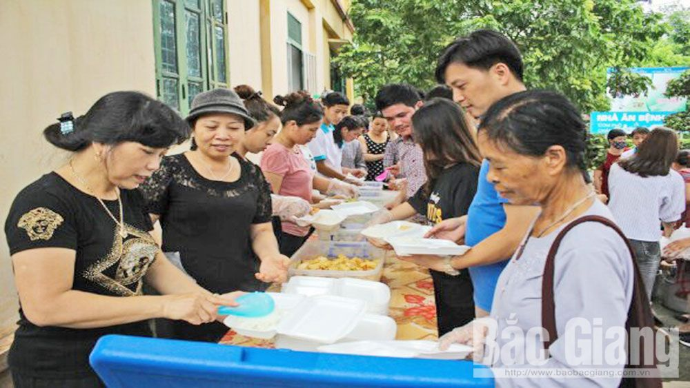 Voluntary charity associations, groups spread love