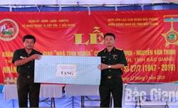 Bàn giao nhà tình nghĩa cho thương binh ở Việt Yên