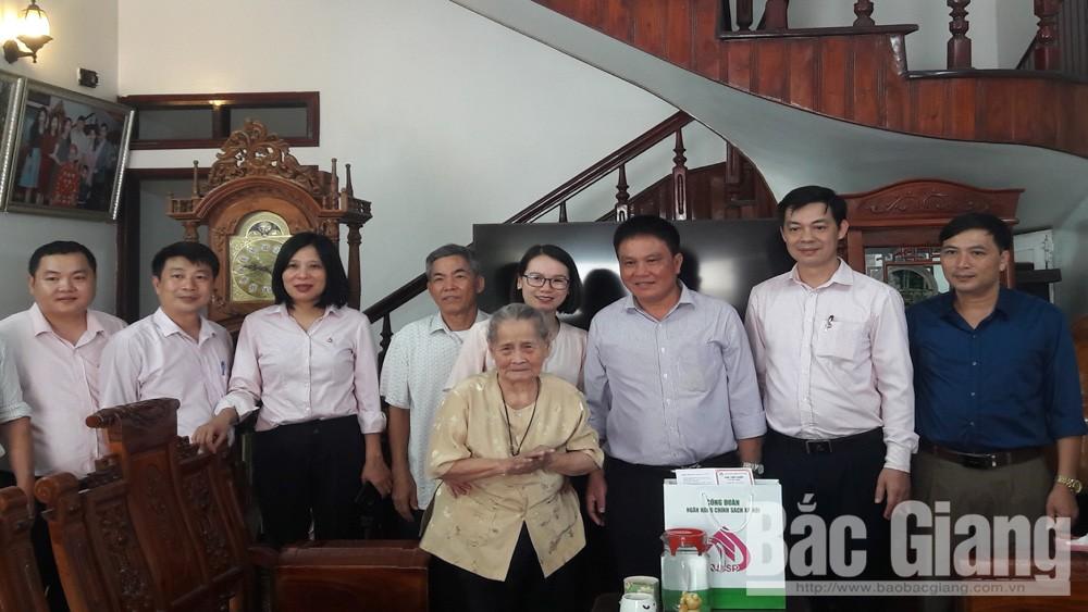 Ngân hàng CSXH; Mẹ Việt Nam Anh hùng; Lạng Giang.