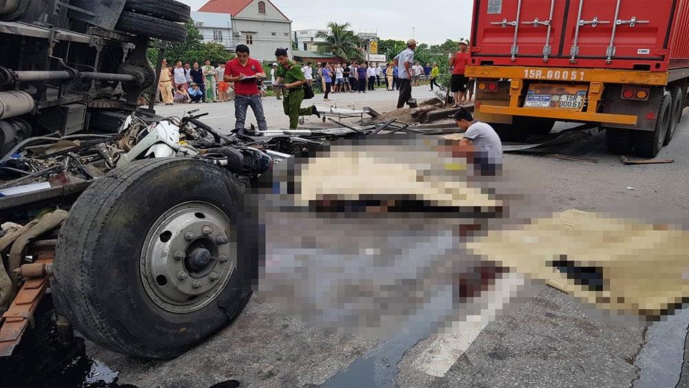 Đứng xem tai nạn, 6 người bị xe tải lật đè, tử vong trên quốc lộ 5, chiếc xe tải 29H 15097, Công ty TNHH Tiếp Vận Việt