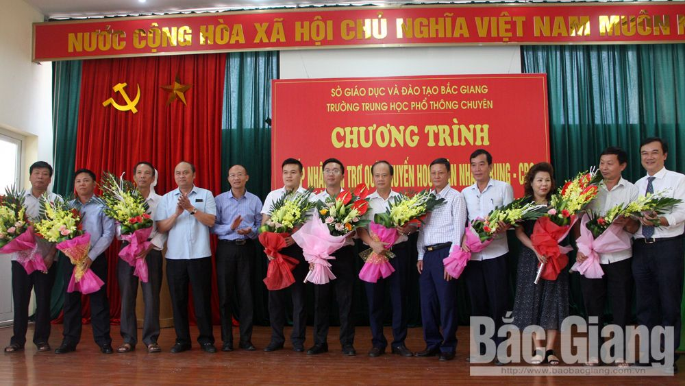 Bac Giang province, Than Nhan Trung, Study Encouragement Fund, Bac Giang High School for Gifted Students, outstanding students, high achievements