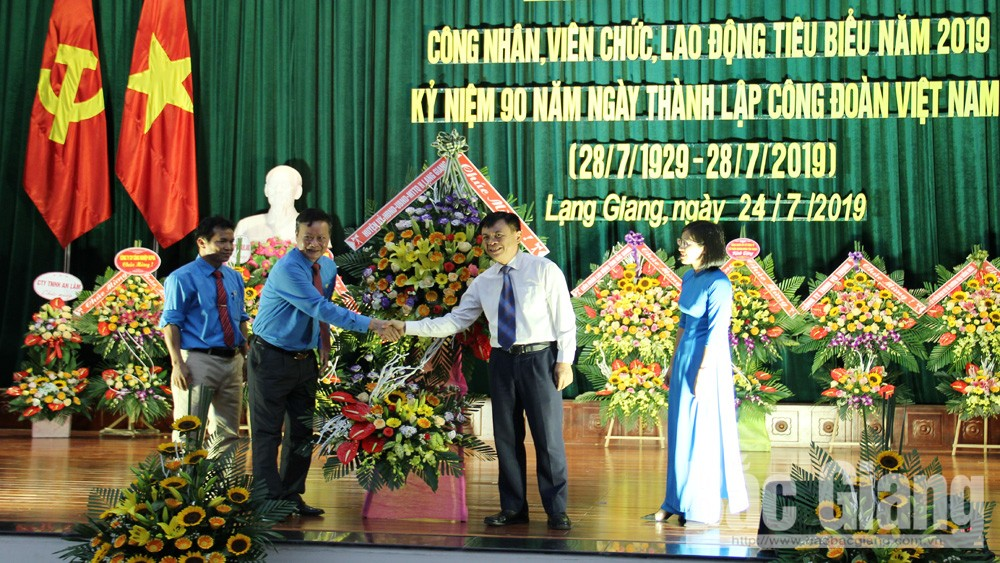 Lạng Giang; Liên đoàn lao động; 104 công đoàn tiêu biểu; 90 năm công đoàn; vinh danh.