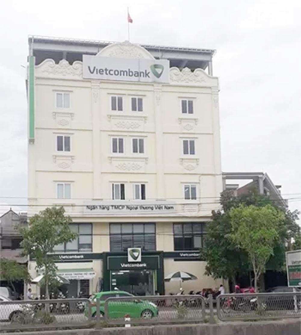 Tên cướp nổ súng, ngân hàng ở Thanh Hóa, Chi nhánh Ngân hàng Thương mại cổ phần Ngoại thương Việt Nam-Vietcombank huyện Tĩnh Gia (