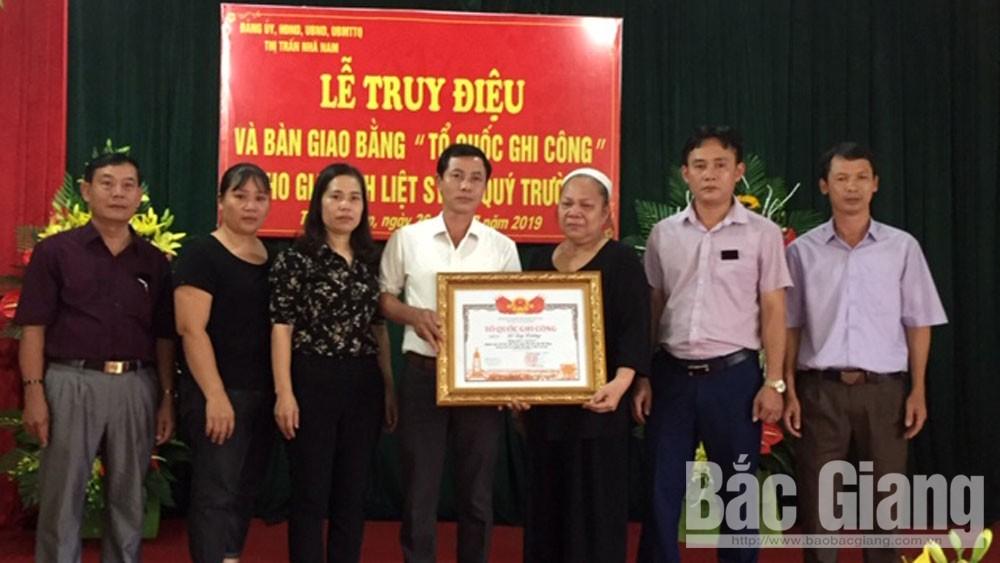 Trao Bằng Tổ quốc ghi công liệt sĩ Đỗ Quý Trường, thị trấn Nhã Nam