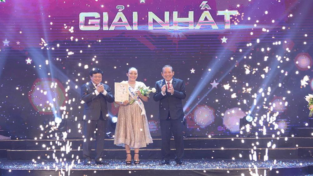 """Thí sinh Malaysia, giành giải Nhất, cuộc thi """"Tiếng hát ASEAN+3"""" năm 2019"""