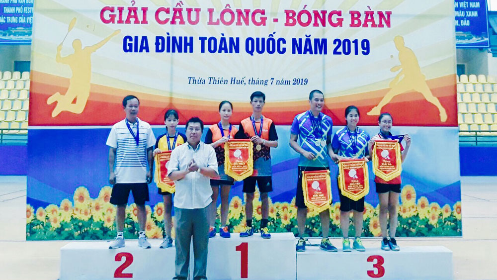 Bac Giang team wins 9 medals at National Badminton, Table Tennis Championship for Families
