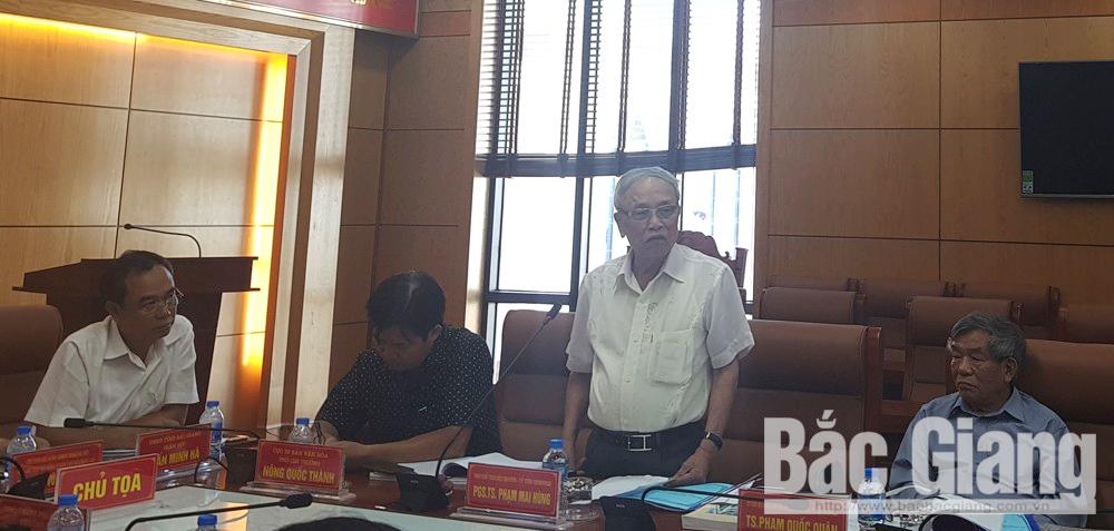 PGS.TS Phạm Mai Hùng phát biểu tại cuộc tọa đàm.