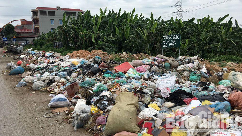 Việt Yên xuất hiện nhiều điểm tồn lưu rác thải