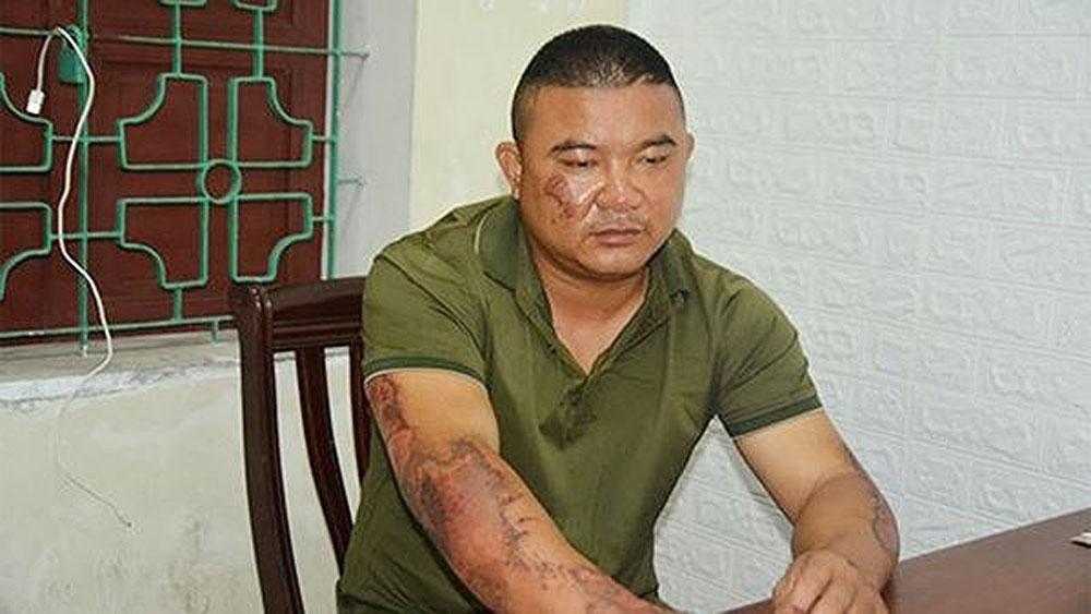 Lộ nguyên nhân, gã đàn ông tưới xăng đốt nhà, 5 người nhập viện, Bùi Sỹ Công
