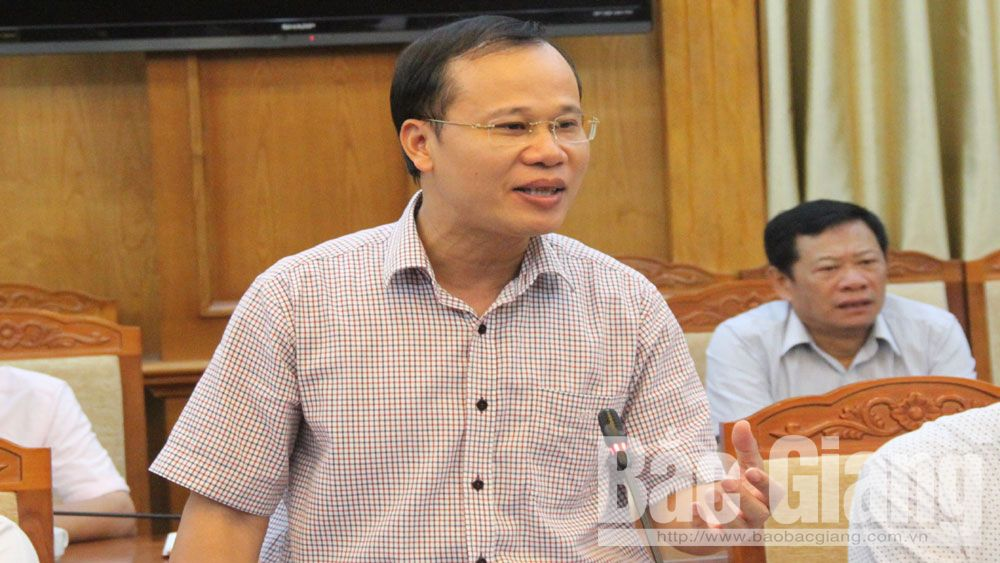 Provincial leader, Chairman Nguyen Van Linh, Bac Giang province, land clearing work, key projects, progress acceleration