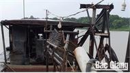 Hiệp Hòa: Bắt giữ tàu khai thác cát trái phép