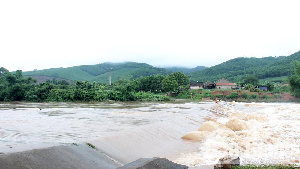 Sơn Động: Mưa bão khiến 22 thôn bị chia cắt cục bộ