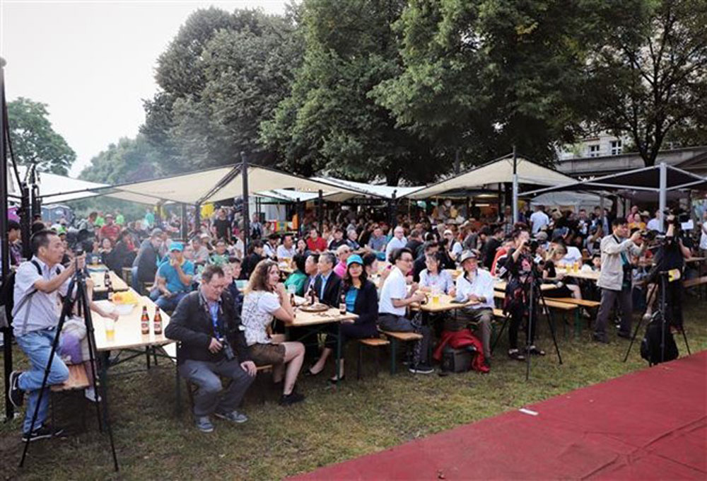 Vietnamese beer, int'l beer festival, Berlin, traditional dishes, craft products, Guinness World Records, longest beer garden in the world
