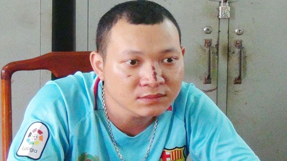 Đóng giả, cảnh sát giao thông, cưỡng đoạt tiền, người đi đường, đối tượng Huỳnh Tấn Phát