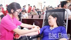 Việc thiện của gia đình chị Nguyên