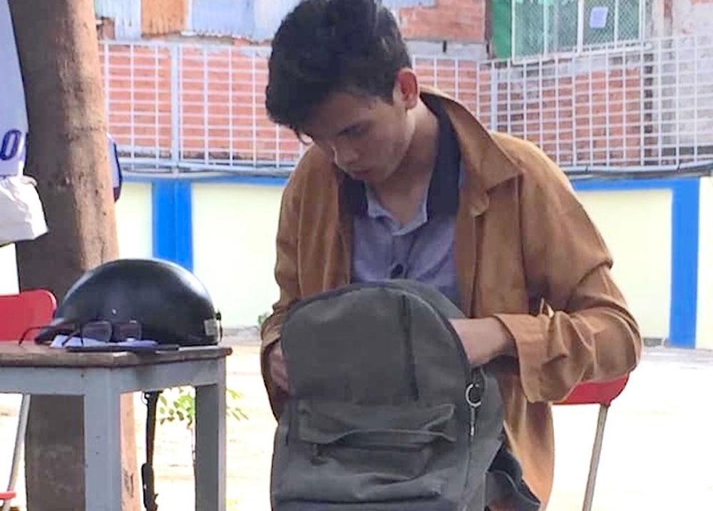Gặp tài xế đặc biệt, chở sinh viên cụt hai chân không lấy tiền, Ngô Nhật Tân, Phạm Minh Đức