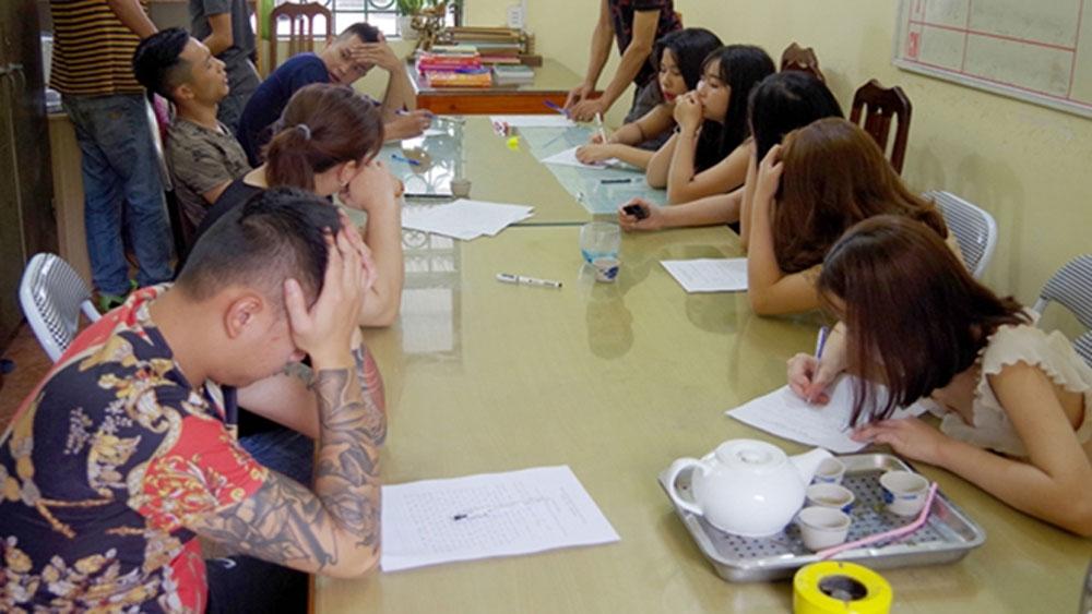21 thanh niên phê ma túy, bay lắc trong quán karaoke ở Hà Giang, quán Karaoke Gia Bảo