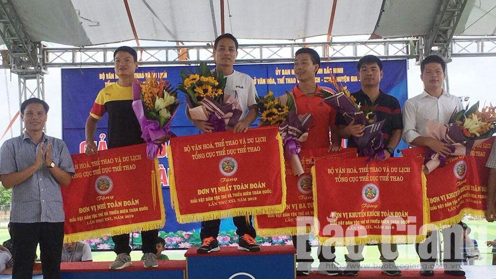 Bac Giang team, 12 medals, second position, National Junior Traditional Wrestling Tournament  2019, Bac Giang province, well-trained wrestlers