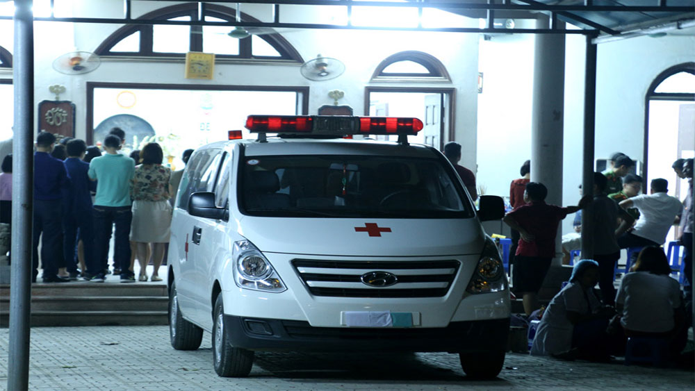 Tang lễ, lúc nửa đêm, tiễn bé 6 tuổi, bị bỏ quên trên xe đưa đón, Trường phổ thông liên cấp quốc tế Gateway