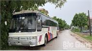 Bắc Giang: Xe hết niên hạn vẫn chở công nhân