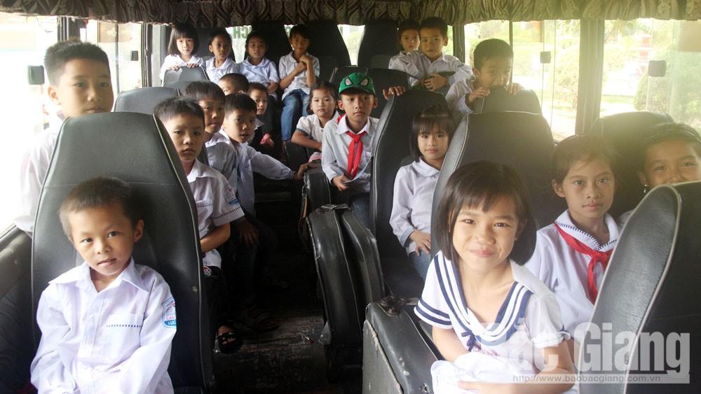 xe đưa đón học sinh, bé trai tử vong, bắc giang, giáo dục, an toàn, tỉnh Bắc Giang