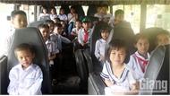 Dịch vụ thuê xe đưa đón học sinh bộc lộ nhiều bất cập