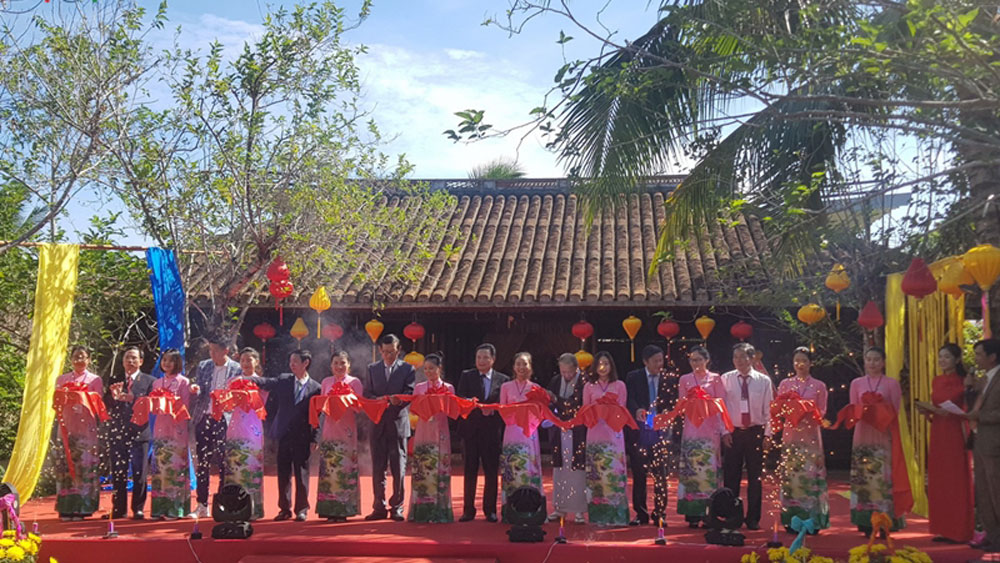 Vietnam-International Silk and Brocade Festival, Hoi An ancient city, exchange activities, strong identity, Hoi An silk village, investment projects