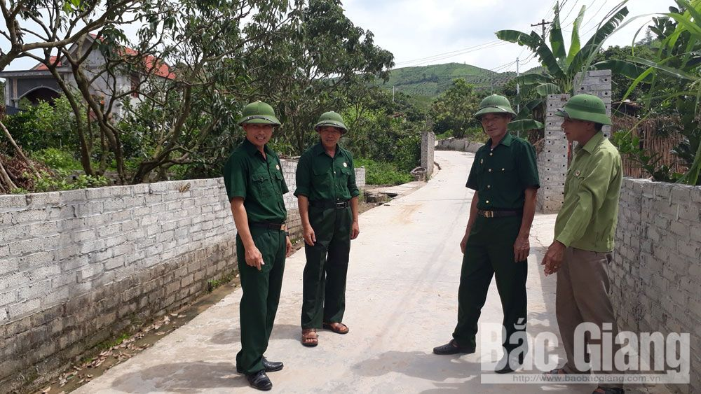 Muoi village's leader, fine example, local movements, Bac Giang province, Thang Van Bao, outstanding villages, emulative movements, VietGAP procedure