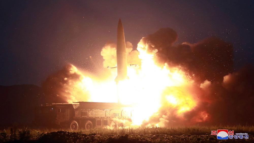 Triều Tiên, bắn hai vật thể, chưa xác định, ra biển